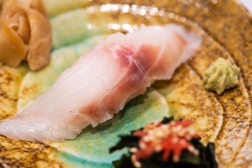 """oryza sushi Nigiri Dorade """"Tai"""" ou Bar """"Suzuki"""""""